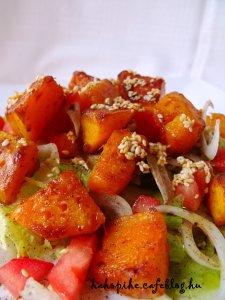 Sütőtökös saláta