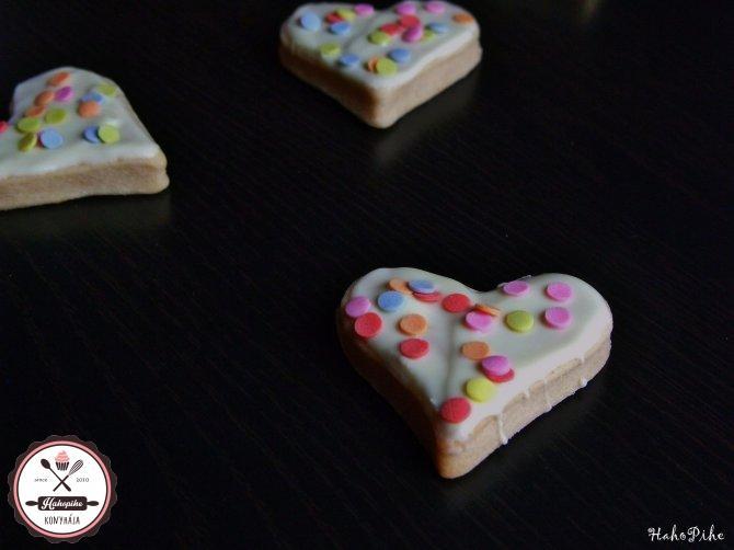 valentin napi keksz sütinyalóka